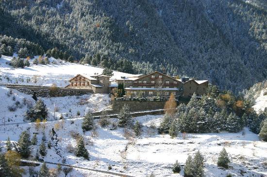 Hotel Os de Civis: hotel en invierno