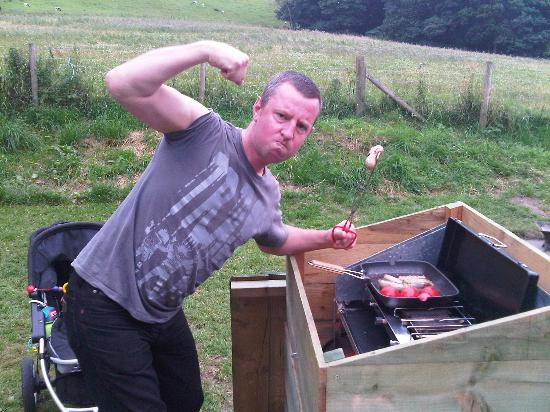 West Wood Yurts: making bacon sandwiches in the morning