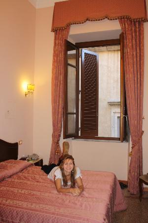 Affreschi su Roma Luxury B&B: View of room
