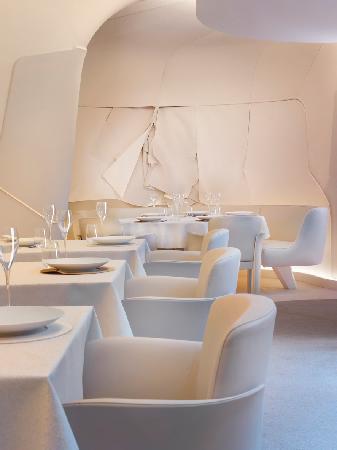 Photo of French Restaurant Sur Mesure at 251 Rue Saint Honore, Paris 75001, France