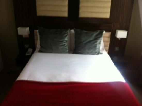 BEST WESTERN Maitrise Hotel: Bedroom