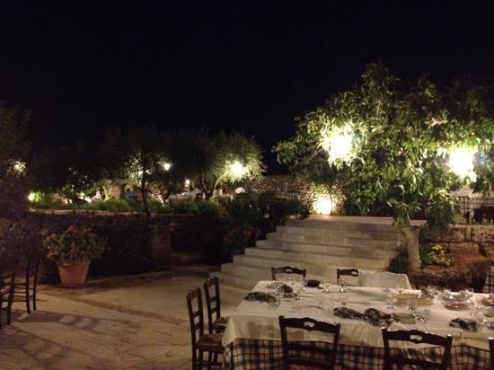 Il giardino foto di masseria le stanzie supersano - Il giardino di mezzanotte ...