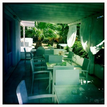 Aeolos Mykonos Hotel: breakfast area