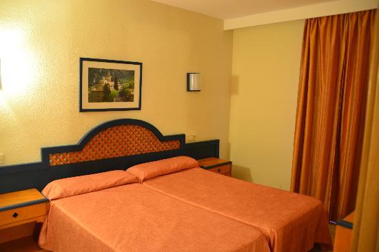 Grupotel Alcudia Suite: Dormitorio - Apartamento 201
