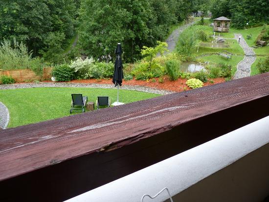 Hotel Walliserhof: rampe de balcon à repeindre