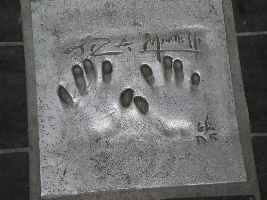 Palais des Festivals et des Congrès of Cannes: Handprint