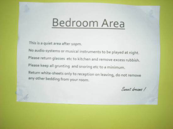 Portree Independent Hostel: Funny rules.