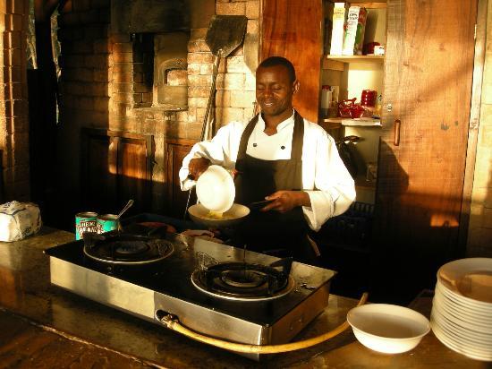 Mediterraneo Hotel & Restaurant: Your breakfast is cooked fresh