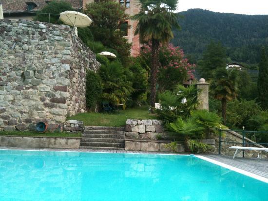 Hotel Castello Schloss Labers : Pool