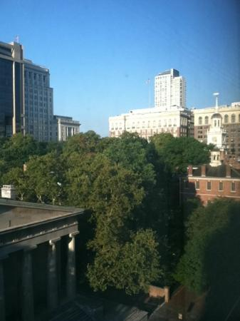 The Franklin Hotel at Independence Park: Independence Hall from the Room