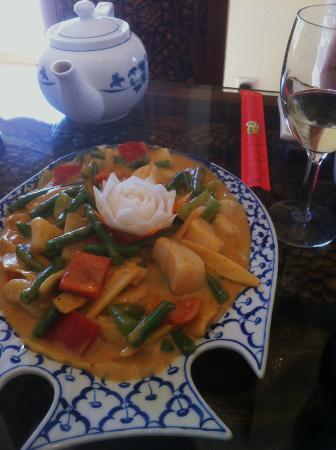 Bangkok Restaurant: scallops & green beans dish--fabulous sauce!!