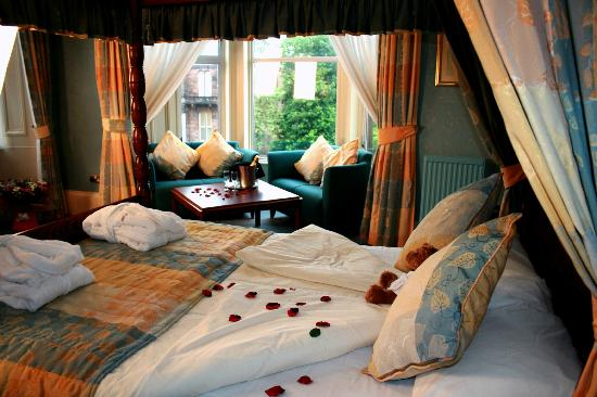 Cairndale Hotel & Leisure Club: Deluxe Four Poster
