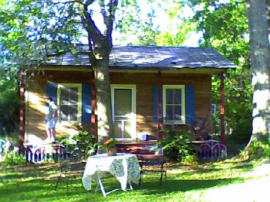 Bayou Teche Guest Cottage: Acadian Cottage