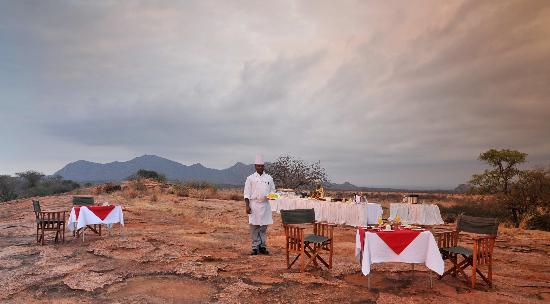 Kilaguni Serena Safari Lodge: Breakfast, Sundowners or Tsavo weddings at Roaring Rocks.