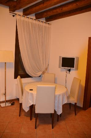 Residence Corte Grimani: Dinning room