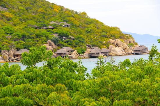Six Senses Ninh Van Bay : view from dining by the pool