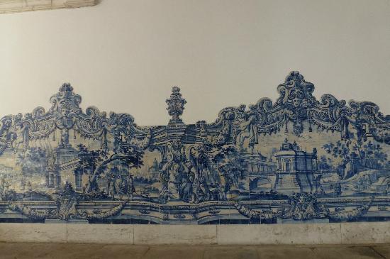 Igreja da Sao Vicente de Fora: Mosaic tiles depicting history and fables