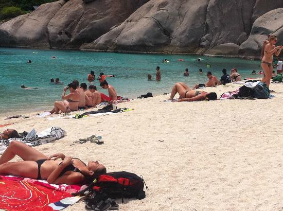 นางยวน ไอส์แลนด์ ไดฟ์ รีสอร์ท: ecco la spiaggia