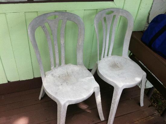 นางยวน ไอส์แลนด์ ไดฟ์ รีสอร์ท: Le sedie in balcone