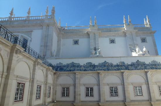 Igreja da Sao Vicente de Fora: View from the internal courtyard