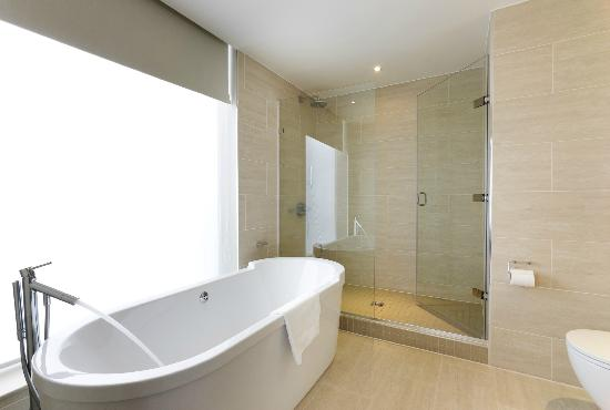 Bathroom picture of apex london wall hotel london tripadvisor Bathroom design jobs london