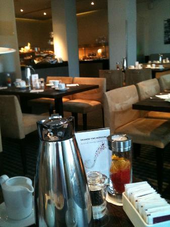 Mercure Hotel Hamburg Mitte: la sala colazione