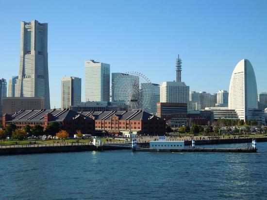 Minato Mirai 21: 大桟橋からみなとみらいを臨む