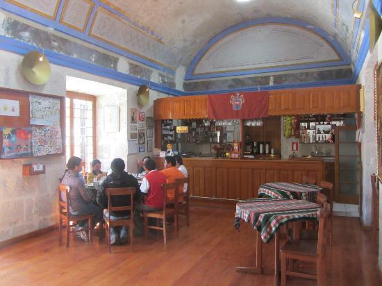 Hotel Casona Solar: bar - breakfast room
