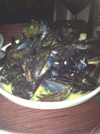 barVino: Mmmmmm mussels