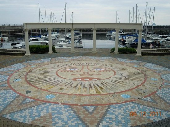 Michi-no-Eki Ito Marine Town: モザイクタイル
