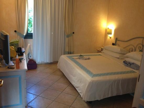 Hotel La Rocca Resort & Spa: stanza