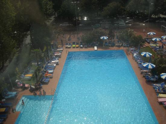 Hotel Ambasciatori: Piscina