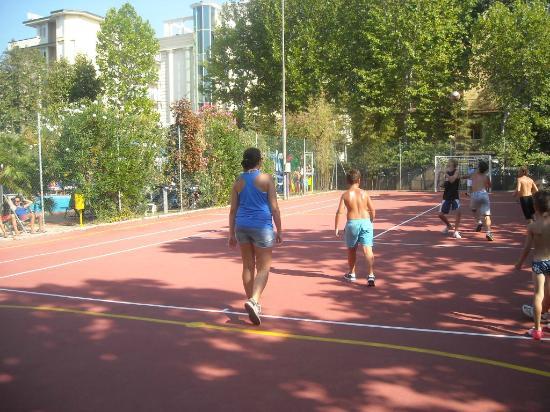 Hotel Ambasciatori: Campo da Tennis/calcetto