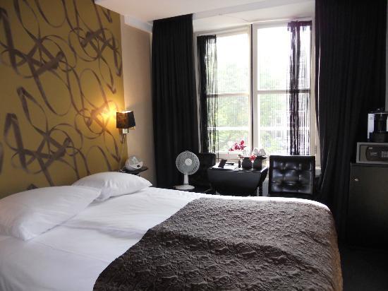 Hotel Sebastian's: room 122