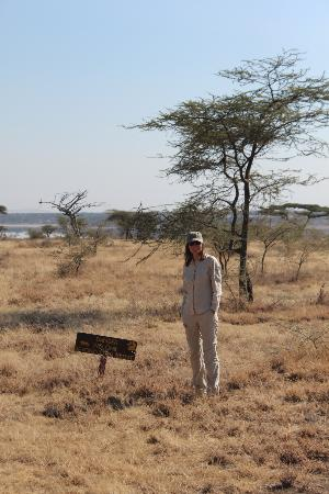 Ndutu Safari Lodge : la vue de notre chambre, attention de ne pas franchir la limite !