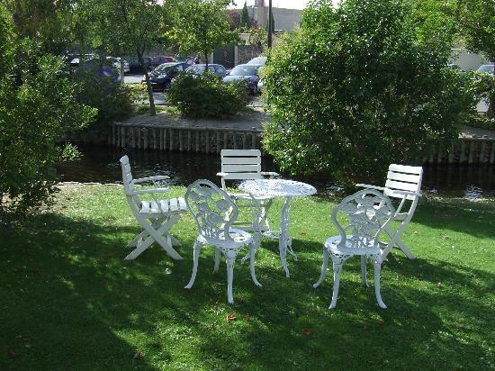 Hotel Les Nevons: giardino