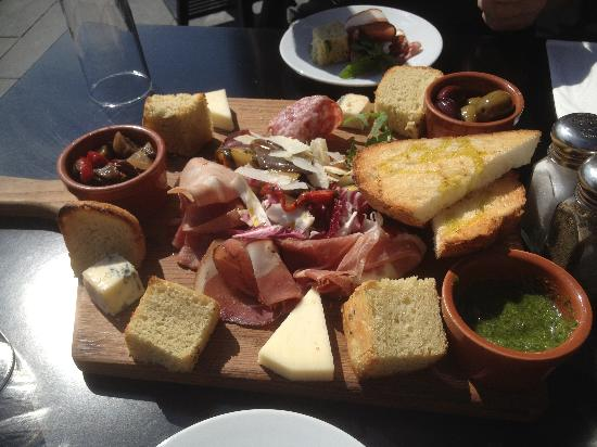 Bellucci Italian Restaurant & Cocktail Bar: Antipasto starter
