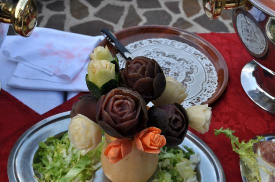 Hotel Cristallo: sculture di fiori