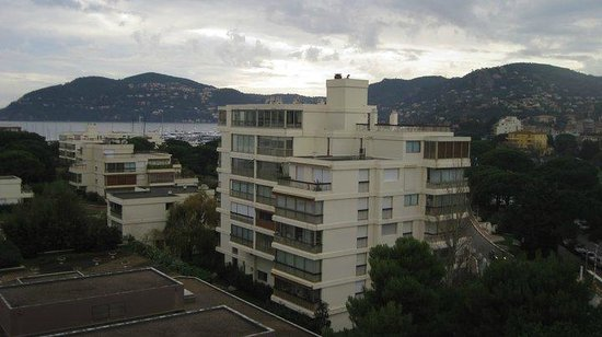 Pullman Cannes Mandelieu Royal Casino: View from room facing east