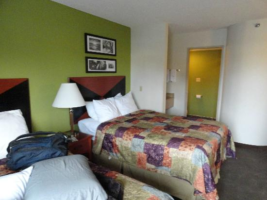 Sleep Inn I 95 North Savannah: One of the two double beds