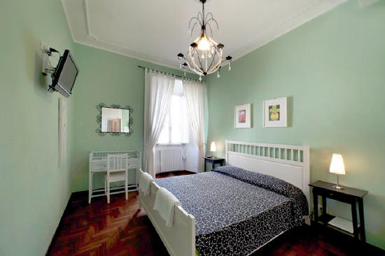 Calisto 6 Bed & Breakfast: guest room