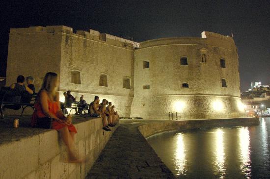 St. John's Fortress: La fortezza dal molo