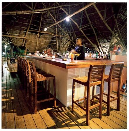 Fundu Lagoon: Main Bar