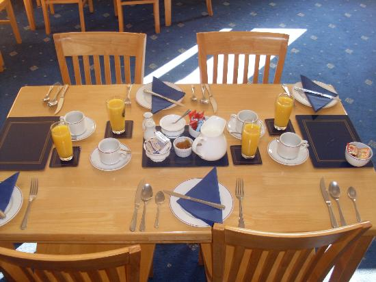 Newent Golf Club and Lodges: Breakfast