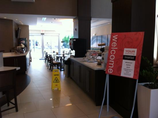 Comfort Suites Miami Airport North: Comedor