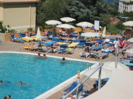 Grand Hotel Vesuvio: Hotel pool