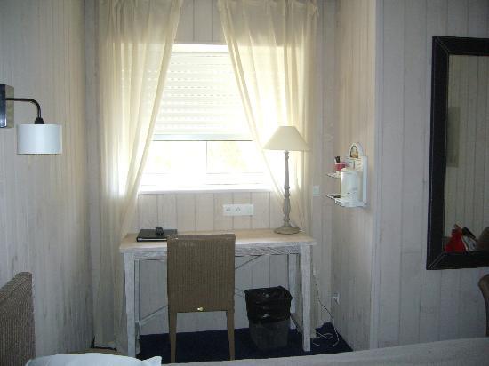 Hotel de la Plage : notre coin bureau