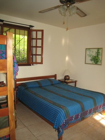 Villa Decary: Spacious comfortable bedroom