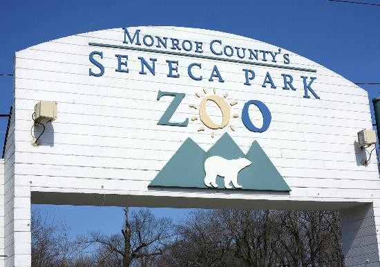 Seneca Park Zoo: Entrance