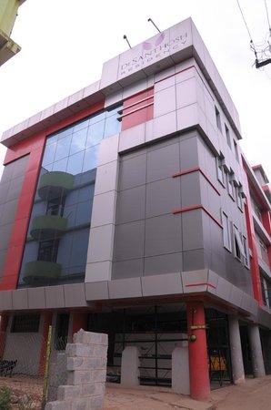 DE Santhosh Residency: desanthosh residency
